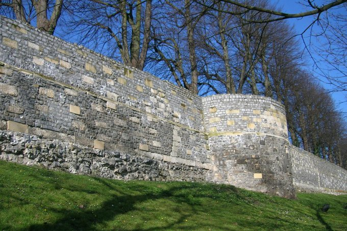 Middeleeuwse_muur_003