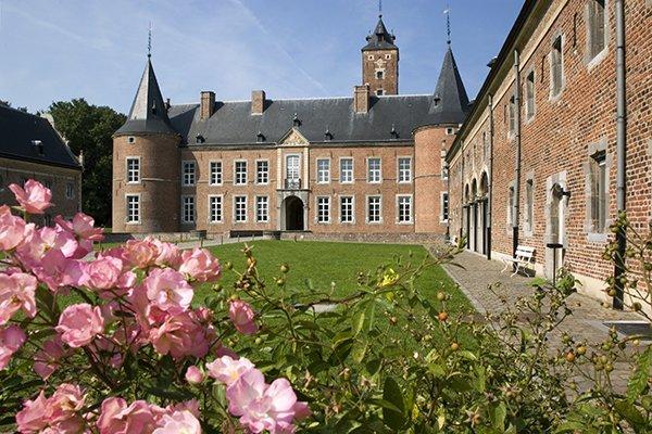 Kristien Wintmolders, Haspengouw, Rijk Verleden, kasteel / kastelen, landcommanderij Alden Biesen, gevel, bloem / bloemen, tuin